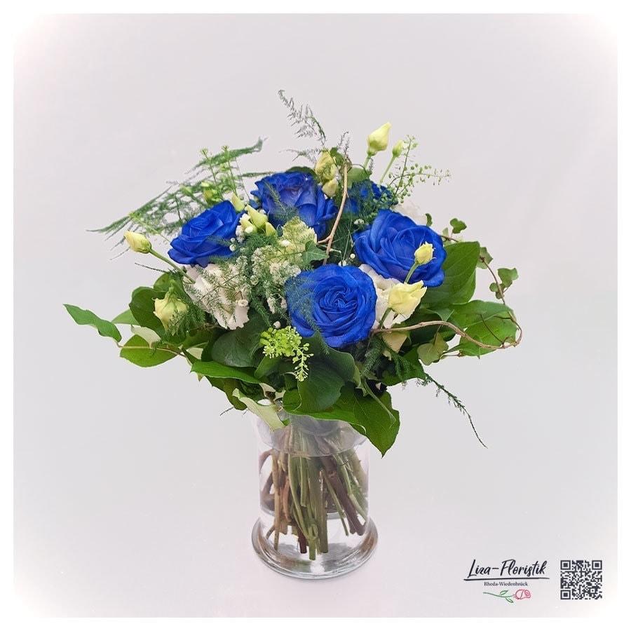 """Blumenstrauß mit blau getönten Ecuador Rosen """"Mondial"""" und Lisianthus"""