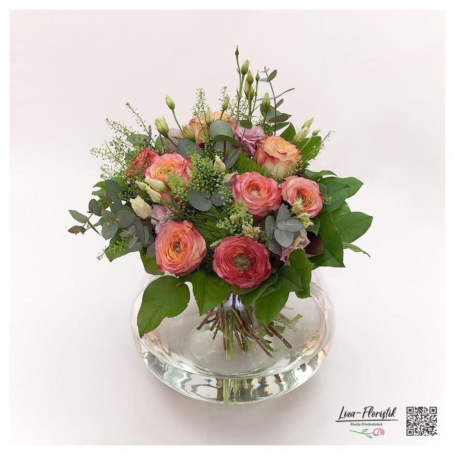 Bunter Blumenstrauß mit Ecuador Rosen, Lisianthus und Bartnelken